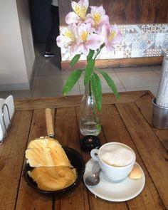 Quando eu digo que saí de casa pra tomar café com uma flor eu provo. rsrsrsrssr