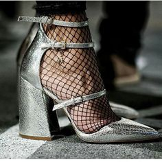😍😍😍 #fashion #girl #style #heels #fashionphotography #elegant #chic #highfashion #streetstyle  #hautecouture #socks #redcarpet #decoration #photography #jewelry  #details  #luxuryfashion #hautecouture #lookoftheday #musthave #luxurylife  #fashionblogger  #diamond #baglovers #shoeslovers  #gorgeous