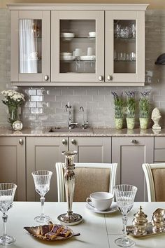 Kitchen Room Design, Interior Design Kitchen, Painting Kitchen Cabinets, Kitchen Cabinetry, Home Design Decor, Home Decor Styles, Farmhouse Kitchen Decor, Modern Farmhouse, Cuisines Design