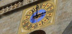 Office de tourisme de Pontarlier - Pontarlier - Cadran de l'Église Saint Bénigne de Pontarlier, capitale du Haut-Doubs. #clochercomtois