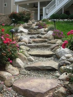 Nice 99+ Simple and Eye-catching Flagstone Backyard Walkway Ideas https://homeastern.com/2017/07/09/99-simple-eye-catching-flagstone-backyard-walkway-ideas/ #WalkwayLandscape #GardenDecking