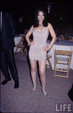Fran Drescher pictures and photos Long Hair Cut Short, Fran Fine, Fran Drescher, Sexy Dresses, Formal Dresses, Celebs, Celebrities, White Outfits, Classic Beauty