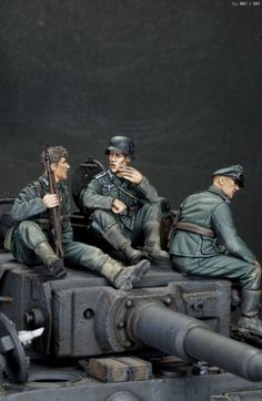 Military Figures, Military Diorama, Military Art, Armoured Personnel Carrier, Miniature Photography, Tiger Tank, Model Hobbies, Model Tanks, Military Modelling