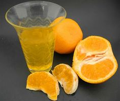 Liquore al Mandarino (Mandarinetto) fatto con il Bimby: LEGGI LA RICETTA ► http://www.ricette-bimby.com/2012/11/mandarinetto-liquore-al-mandarino-bimby.html