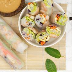 Mmm deze Vietnamese springrolls ook wel verse loempias genoemd zijn Asian Kitchen, Spring Rolls, Fresh Rolls, Tapas, Healthy Snacks, Snack Recipes, Food And Drink, Lunch, Dinner