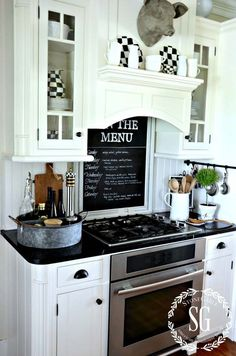 21 Inspiring Ways To Use Chalkboard Paint On a Kitchen 20