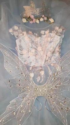 Fairy Halloween Costumes, Fairy Costume Diy, Fairy Wings Costume, Halloween Outfits, Diy Fairy Wings, Renaissance Fairy Costume, Water Fairy Costume, Fairy Princess Costume, Fairy Cosplay