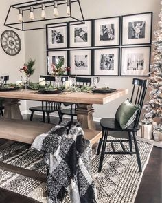 Best Dining Room Wall Decor Ideas 2018 (Modern & Contemporary) - Home decor . Best Dining Room Wall Decor Ideas 2018 (Modern & Contemporary) - Home decor ideas - Dining Room Wall Decor, Dining Room Design, Decor Room, Dining Room Picture Wall, Dinning Room Ideas, Dining Room Rugs, Dining Room Inspiration, Dining Area, Dining Room With Bench
