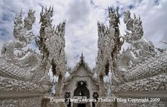 Famous Buddhist Temples in Thailand – Wat Rong Khun or White Temple ( Heaven on Earth)
