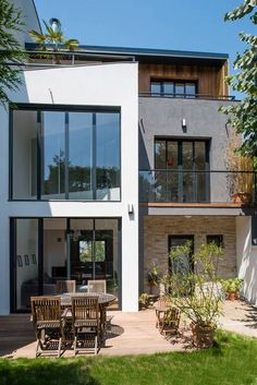 miniature Transformations et réhabilitation contemporaine d'une maison de ville, Issy-les-Moulineaux, Christelle Serres-chabrier - architecte