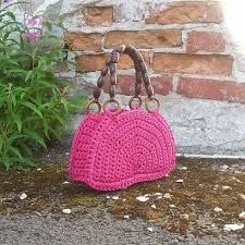 Aiheeseen liittyvä kuva Straw Bag, Bags, Fashion, Handbags, Moda, Fashion Styles, Fashion Illustrations, Bag, Totes