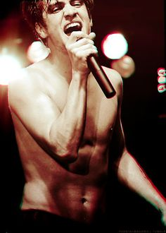Oh... wow... Brendon Urie<3