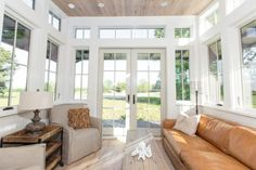 The Saltbox by Clayton Tiny Homes (450 sq. ft.)  I love this whole house!