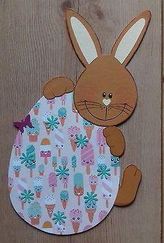 Fensterbild aus Tonkarton Frühling/Ostern Hasen Junge versteckt sich
