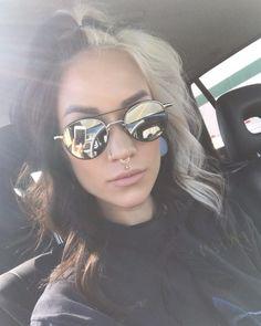 Brunette and blonde. Pink Hair Streaks, Blonde Peekaboos, Hair Color And Cut, Hair Color Dark, Long Hair With Bangs, Aesthetic Hair, Beautiful Long Hair, Grunge Hair, Hair Looks