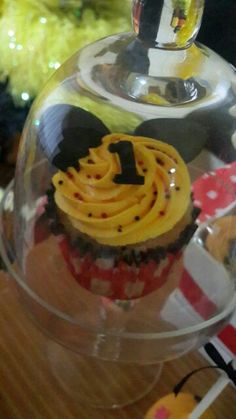 Cupcake Mickey Mickey Mouse Birthday, Cupcake, Birthday Parties, Party, Desserts, Food, Anniversary Parties, Meal, Birthday Celebrations