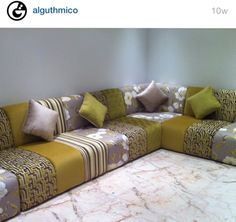 Small Living Rooms, Living Room Designs, Living Room Decor, Corner Sofa Design, Arabic Decor, Dining Room Buffet, Moroccan Decor, Sofa Covers, Sofa Set