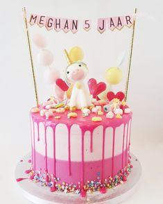 Unicorn taart, dripcake Banana Nut Bread, Banana Bread Recipes, Cake Recipes, Unicorn Birthday Parties, Birthday Cake, Cake Cookies, Cupcakes, Cranberry Bread, School Treats