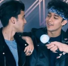 98, Songs, Memes Cnco, Couples, Celebrities, Babys, Couple, Amor, Celebs