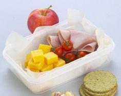 Complice lo scarso tempo a disposizione il pranzo in ufficio si riduce spesso in un pasto ripetitivo e poco appetitoso: come ridare vita al nostro pasto? Ecco alcune ricette fantasiose e sfiziose, ma semplici da preparare e da pratiche da trasportare
