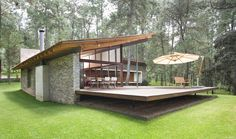 Elías Rizo Arquitectos, Casa TOC A home made entirely out of local materials amidst the greenery of Tapalpa, Mexico offers an outstanding example of contemporary architecture rooted in the country's soil, nature and traditions. Residential Architecture, Interior Architecture, Contemporary Architecture, Unique Vacations, Design Exterior, Stone Exterior, Modern House Design, Deck Design, Pergola