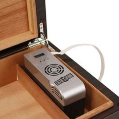 Are your cigars too dry or even too moist? Finding the right humidifier is the key to this problem; an electronic cigar humidifier might be the solution!