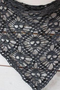 Make No Bones About It, It's Free Crochet Skull Patterns! – Sabrina Cagle Make No Bones About It, It's Free Crochet Skull Patterns! Skull Shawl :: Roundup of free patterns on Moogly! Crochet Scarves, Crochet Shawl, Crochet Clothes, Crocheted Scarf, Crochet Skull Patterns, Knitting Patterns, Sweater Patterns, Crochet Gratis, Diy Crochet