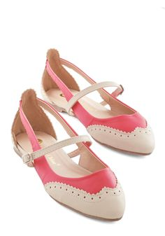 Tappy and You Know It Flat in Coral - Flat, Faux Leather, Pink, White, Solid, Cutout, Work, Casual, Vintage Inspired, 20s, Colorblocking, Spring, Good, Variation, Menswear Inspired Cute Flats, Cute Shoes, Me Too Shoes, Beige Flats, Pink Wardrobe, Sock Shoes, Shoe Boots, Flat Shoes, Trending Outfits