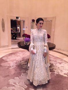 Karisma Kapoor in white Mayyur Girotra anarkali Evening Gowns Online, Designer Evening Gowns, Designer Gowns, Designer Wedding Dresses, Pakistani Dresses, Indian Dresses, Indian Outfits, Net Gowns, Beautiful Bridal Dresses