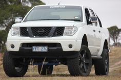 Cal off road lifted Nissan Navara D40