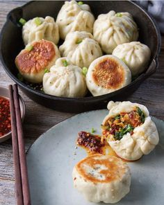 Homemade pan-fried veggies steamed bun from - Sheng Jian Bao '生煎包'⠀ .⠀ Looking for more healthy meals? If you are looking for an easier way to eat healthier we have monthly meal plans wi Vegetarian Recipes, Cooking Recipes, Healthy Recipes, Vegetarian Steamed Buns Recipe, Spinach Recipes, Cleaning Recipes, Snacks Recipes, Sausage Recipes, Cooking Ideas