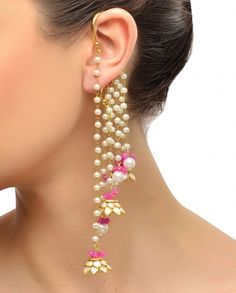 Golden Earcuff with Pearl Drops - Earrings - Accessories Antique Jewellery Designs, Gold Earrings Designs, Bridal Jewelry Vintage, Wedding Jewelry, Pearl Drop Earrings, Bridal Earrings, Fashion Earrings, Fashion Jewelry, Indian Jewelry Sets