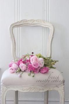 Outstanding diy french country decor are available on our internet site. Take a look and you wont be sorry you did. French Country Kitchens, French Country Cottage, French Country Style, Shabby Cottage, Shabby Chic Homes, Shabby Chic Decor, Cottage Style, Country Chic, Shabby Bedroom