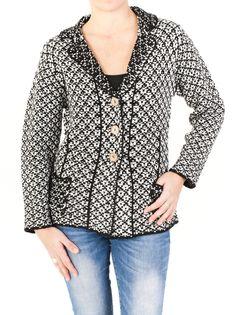 #Americana para mujer de punto #jacquard, abrochada en 3 botones con dos bolsillos exteriores y disponible en color negro y marrón. Invierno 2014. ¡Cómprala!