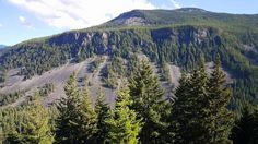 The Cascade Mountains in Washington State. Copyright © 2015 by Natalie de Clare.