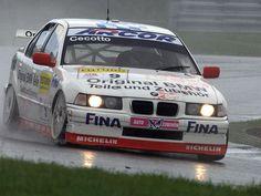 BMW 320is race car