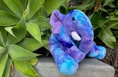 How to Sew an Elephant Stuffed Animal (with Pattern & Video Tutorial) Elephant Stuffed Animal, Sewing Stuffed Animals, Cute Stuffed Animals, Stuffed Animal Patterns, Stuffed Toys, Quilts Online, Quilt As You Go, Fabric Animals, Elephant Pattern