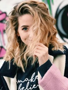 Image about beautiful in Zoella♥️ by Fatma Youssef Zoella Beauty, Hair Beauty, Zoella Hair, Beauty Style, Look 2017, Zoe Sugg, Girl Online, Celebs, Celebrities