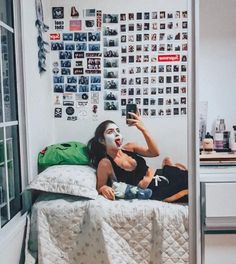 bleh 👅 dia de arrumar o quarto/malas pós viagem e de lei fazer uma máscara haha💆🏻♀️ última semana de férias pra aproveitar e organizar a…