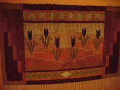Ryijy is a form of Finnish tapestry Weaving Patterns, Fabric Patterns, Rya Rug, Inkle Weaving, Tapestry Weaving, Rug Hooking, Woven Rug, Art Forms, Textile Art