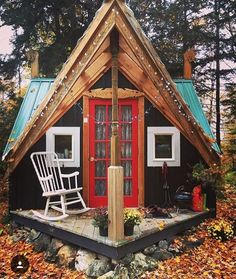 The cutest little house ! 😍❤️🌲🙌💫 Who would you live here with ? Tiny House Cabin, Tiny House Design, My House, A Frame Cabin, A Frame House, Cabana, Cabins And Cottages, Cozy Cabin, Cabins In The Woods
