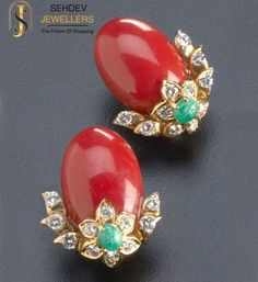 Corallo coral and diamond earrings with emeralds in yg. Oval coral cabochons supported by floriform diamond and emerald clusters. coral: x each. Black Diamond Earrings, Coral Jewelry, Emerald Earrings, Fine Jewelry, Stud Earrings, Jewellery Box, Diamond Jewelry, Jewellery Shops, Mens Jewellery
