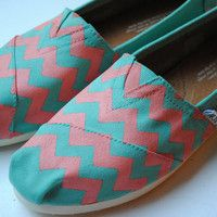 Turquoise and coral/pink toms