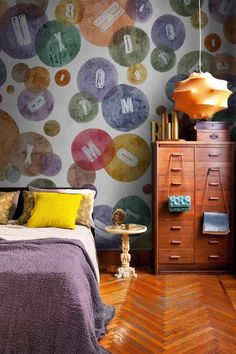 Décor do dia: um quarto colorido e descolado
