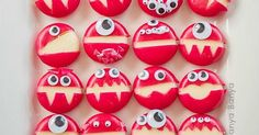 Babybel Cheese Monsters – food for kids that's fun to make & fun to eat! A h… Babybel Cheese Monsters – food for kids that's fun to make & fun to eat! A healthy party food option or lunchbox surprise for Halloween. Comida De Halloween Ideas, Recetas Halloween, Healthy Halloween Treats, Healthy Snacks For Kids, Creative Snacks, Healthy Dips, Happy Healthy, Creative Activities, Healthy Food