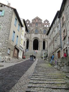 """Le Chemin de St. Jacques is """"an approximately 500 mile route which starts in Le Puy en Velay and meets the Camino de Santiago in Spain at Roncesvalles."""" The pilgrimage begins in Le Puy-en-Velay, at the Cathédrale Notre-Dame du Puy. Caption from link"""