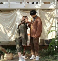 Image about love in ulzzang couple ; Pre Wedding Poses, Pre Wedding Photoshoot, Couple Posing, Couple Shoot, Korean Couple Photoshoot, Couple Goals Cuddling, Wattpad, Youtube Kanal, Couple Aesthetic