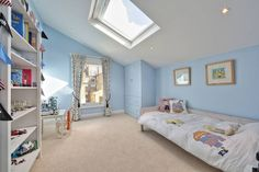 loft conversion with full back addition : Modern bedroom by nuspace