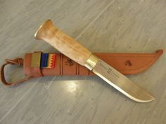 The sami people often use these knives, and they are sold in alot of shops around Norway