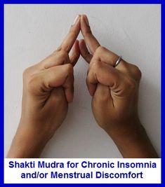 Shakti Mudra pour l'insomnie / troubles menstruelsShakti Mudra est bon pour induire le sommeil. Il aide ceux qui souffrent d'insomnie chronique par la détente du corps et de la lutte contre le stress mental. Pour pratiquer Shakti Mudra: Joignez-vous à l'annulaire et l'auriculaire comme indiqué. Pliez index et le médius lâche sur les pouces. Puis rentrer délicatement les pouces vers les paumesr.